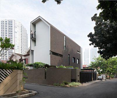 Mẫu thiết kế nhà phố hẹp 3 tầng trên diện tích 315m2 phong cách hiện đại