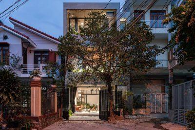 Mẫu thiết kế nhà phố 3 tầng phong cách độc đáo trong ngõ nhỏ