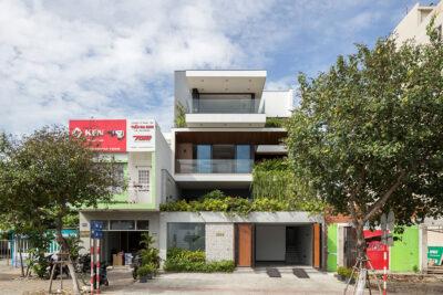 Mẫu thiết kế nhà phố 4 tầng phong cách hiện đại đầy nắng và gió
