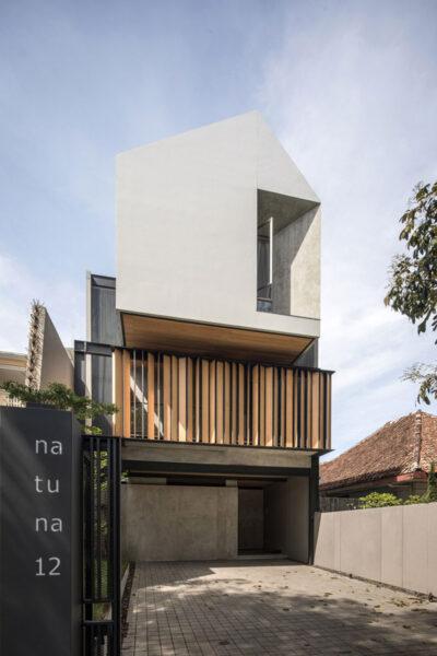 Mẫu thiết kế nhà ở kết hợp kinh doanh 3 tầng với ngoại hình độc đáo, ấn tượng